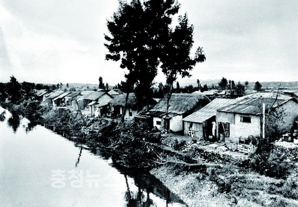 chuniljeongtong jeongdong huts(1)