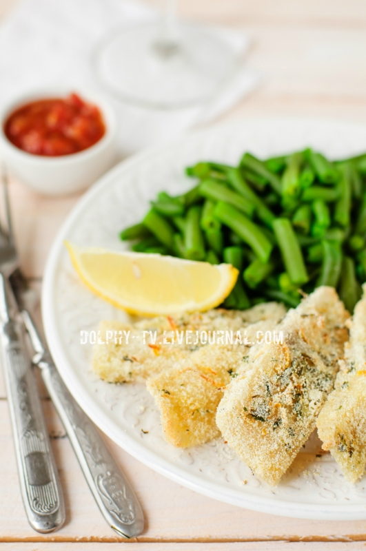 Lemon Semolina Crusted Fish Fries with Green Beans and Marinara Sauce