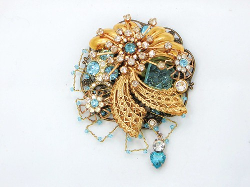 Sentimental Journey ~ Brooch