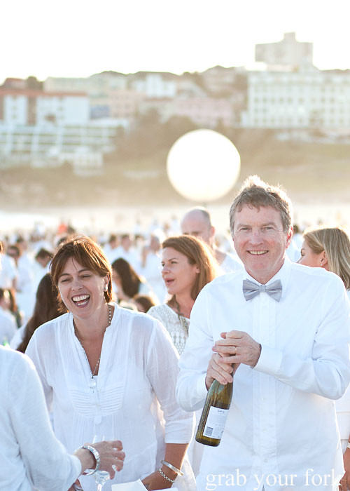 Guests at Diner en Blanc Sydney 2013 Bondi Beach