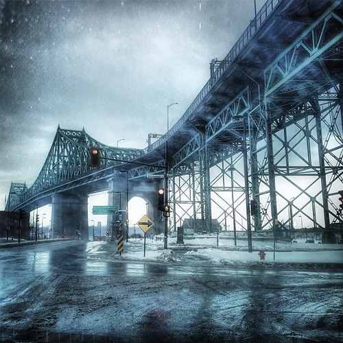 Pont Jacques Cartier #mtl #montreal #quebec #ri365_2014 #bridge #architecture #brume #pluie #snapseed