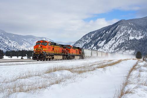 railroad snow mountains train montana mt ge bnsf mrl freighttrain thompsonfalls dash9 c449w montanaraillink manifestfreight mrl'sfourthsubdivision