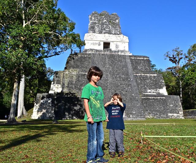 Tikal Pyramides - Guatemala