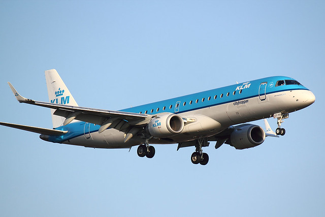 KLM - E190 - PH-EZI (1)