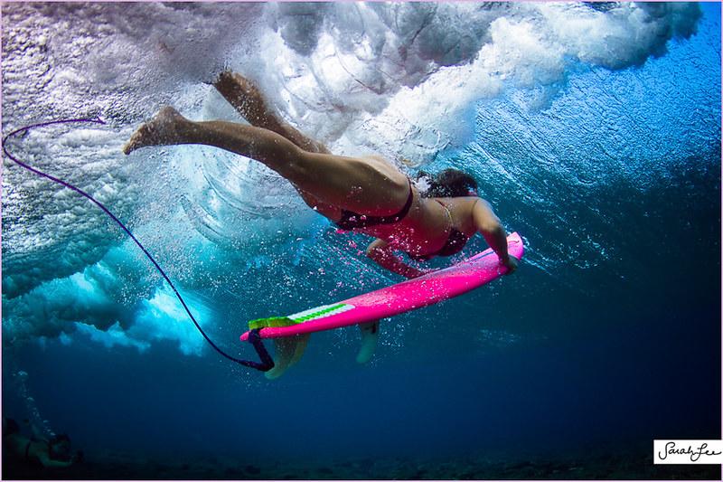 029-sarahlee-eco_pink_surfboard_underwater_duckdive.jpg