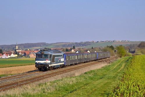 SNCF BB 67422 + RRR 229 + 233 te Obermodern-Zutzendorf