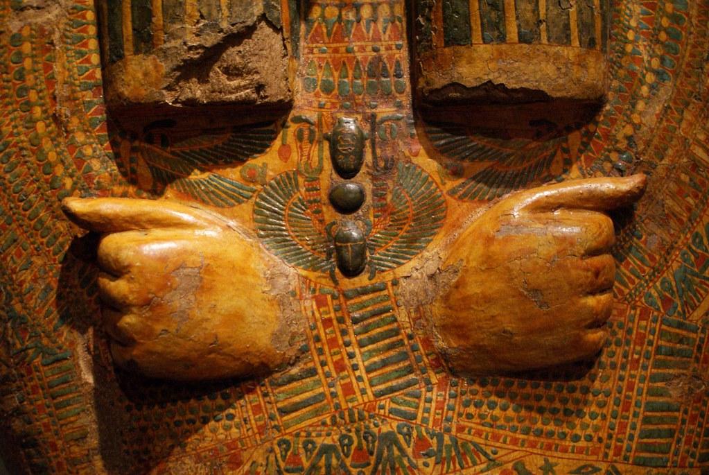 Détails d'un sarcophage du musée egyptien de Turin.