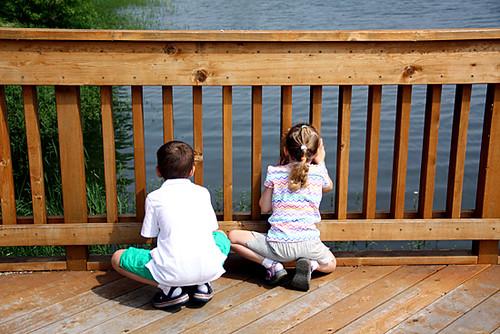 Kids-Looking-Down-at-Water