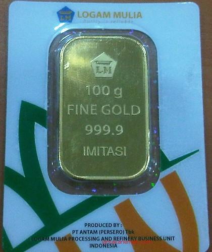Foto gambar emas batangan logam mulia antam kemasan model baru