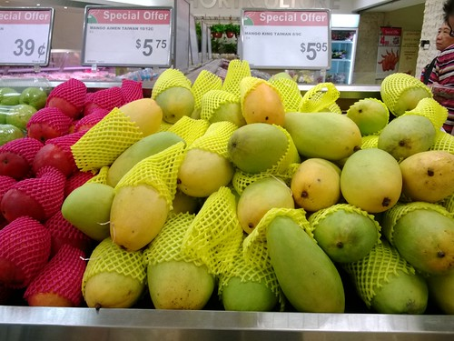 Taiwanese Aiwen and King Mangoes
