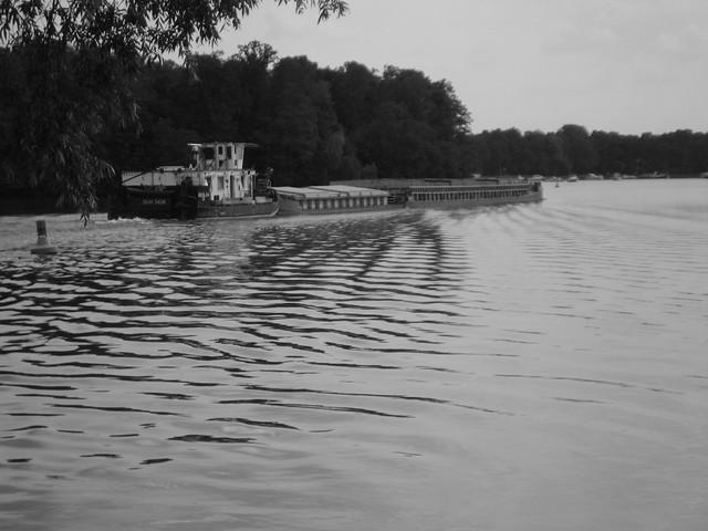 Schubverband auf dem Lehnitzsee