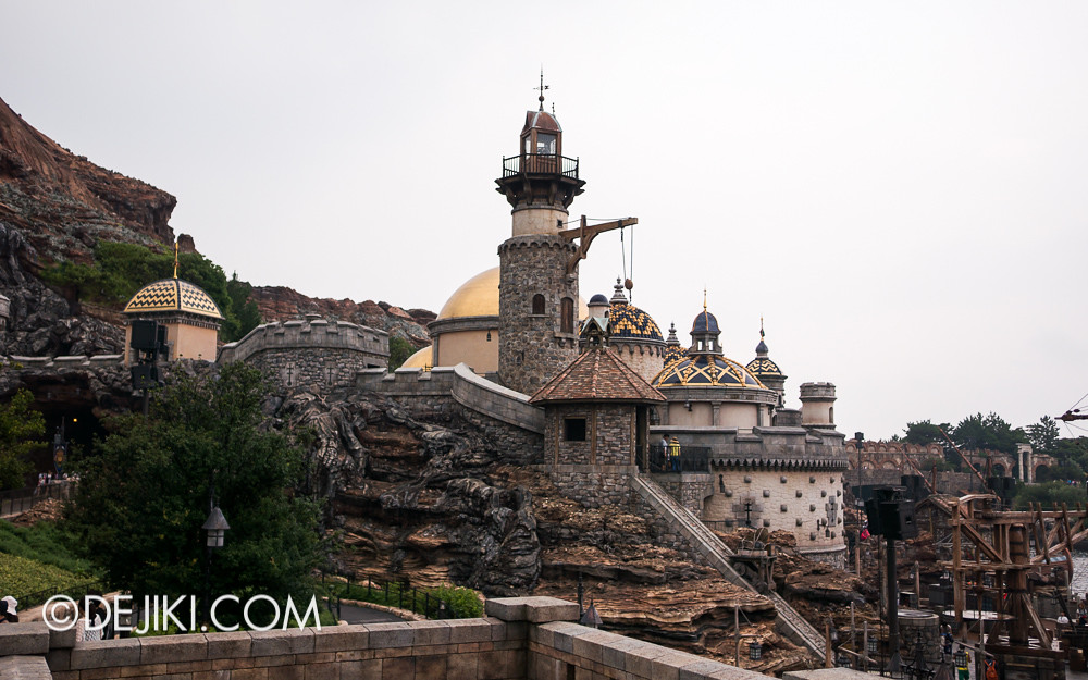 Tokyo DisneySea - Mediterranean Harbor / Fortress Explorations / Outside the Fortress