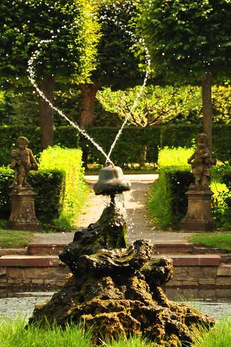 Veitshöchheim Schloss Fürstbischof Franken Würzburg Rokoko Garten Schlossgarten Hofgarten Rokokogarten Wasserspiele Pflanzen Blumen Flora Statue Statuen Karla Kunstwadl