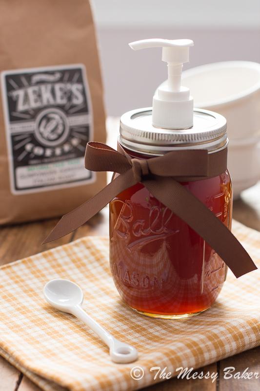 Homemade Pumpkin Spice Syrup | www.themessybakerblog.com -8423
