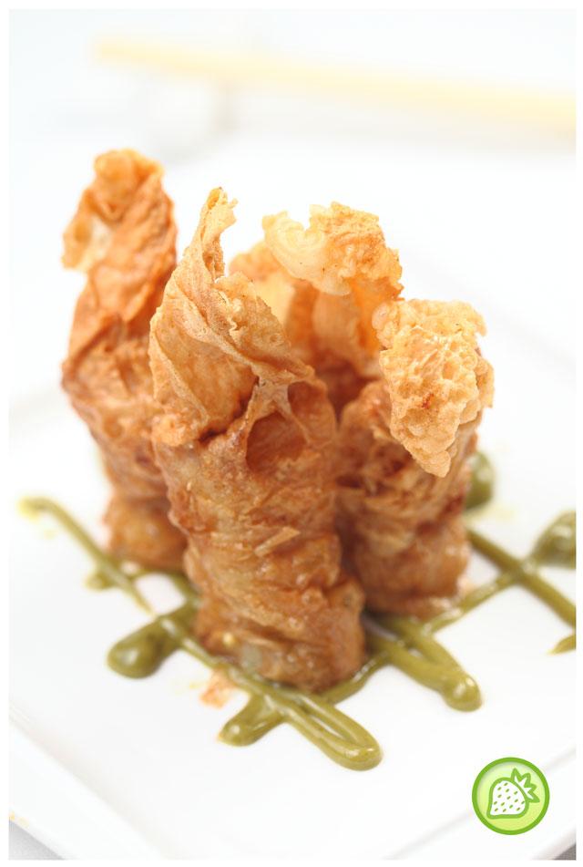 prawn roll with egg yolk
