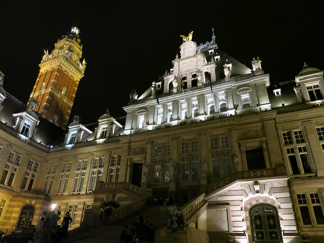 Saint Gilles City Hall at night.