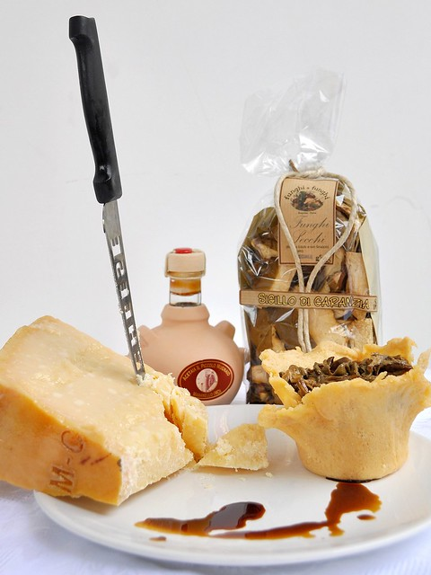 Cestini di Parmigiano Ripieni di Funghi Porcini di Borgotaro e Polenta col Bimby