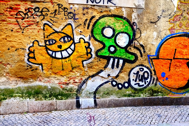 graffiti | 1up . mychat | lisbon