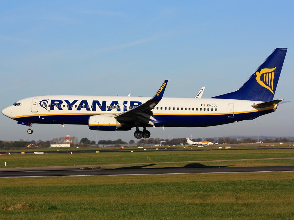 EI-DCG - B738 - Ryanair