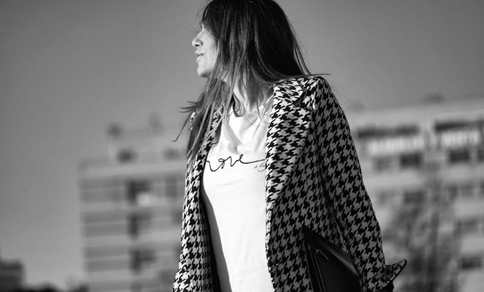 street style barbara crespo love tshirt a Byciclette fashion blogger outfit