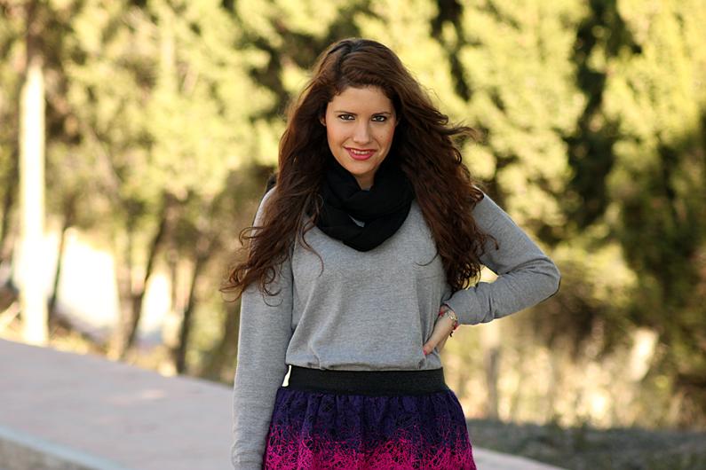 jersey-gris-con-falda-rosa-heelsandroses-(8)