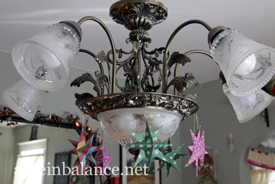 Christmas 2013 House Tour: Paper Star Ornaments