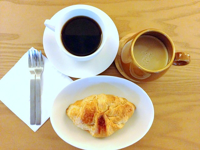 exhibit cafe ttdi review - pastries, coffee, hot chocolate-001