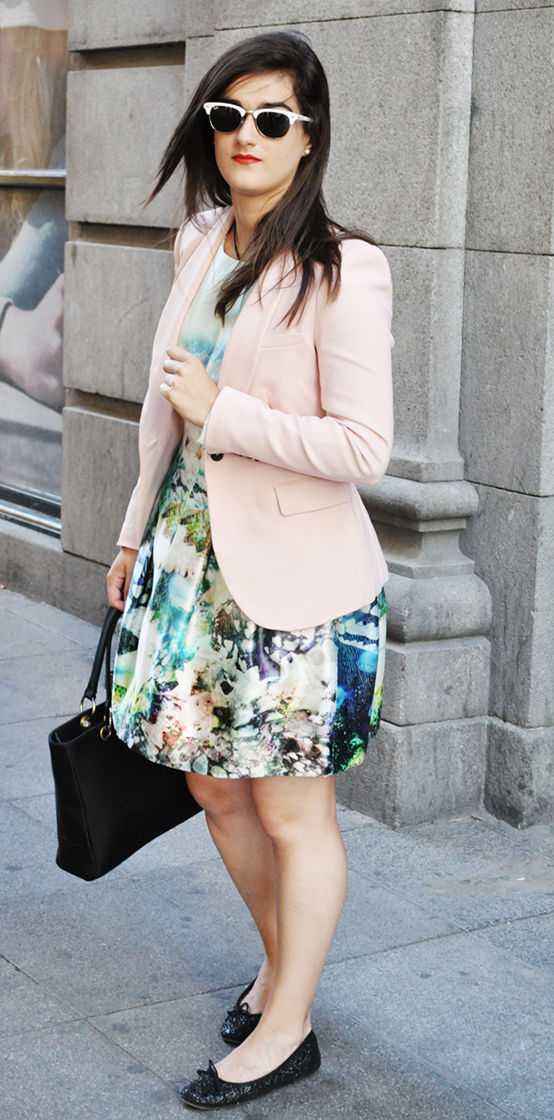 spain españa madrid fashionblogger somethingfashion, zara dress floral fish ocean blue blazer, what to wear to an event in spanish movies, The Lion King musical Gran Vía