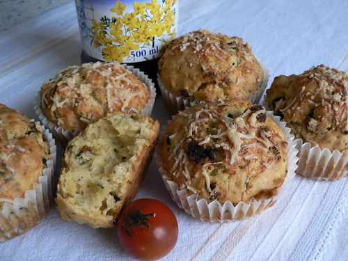 Sundried Tomato Muffins -muffins with rapeseed oil 004