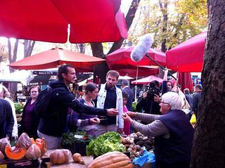 Faire des courses et degustation au marche de Pula