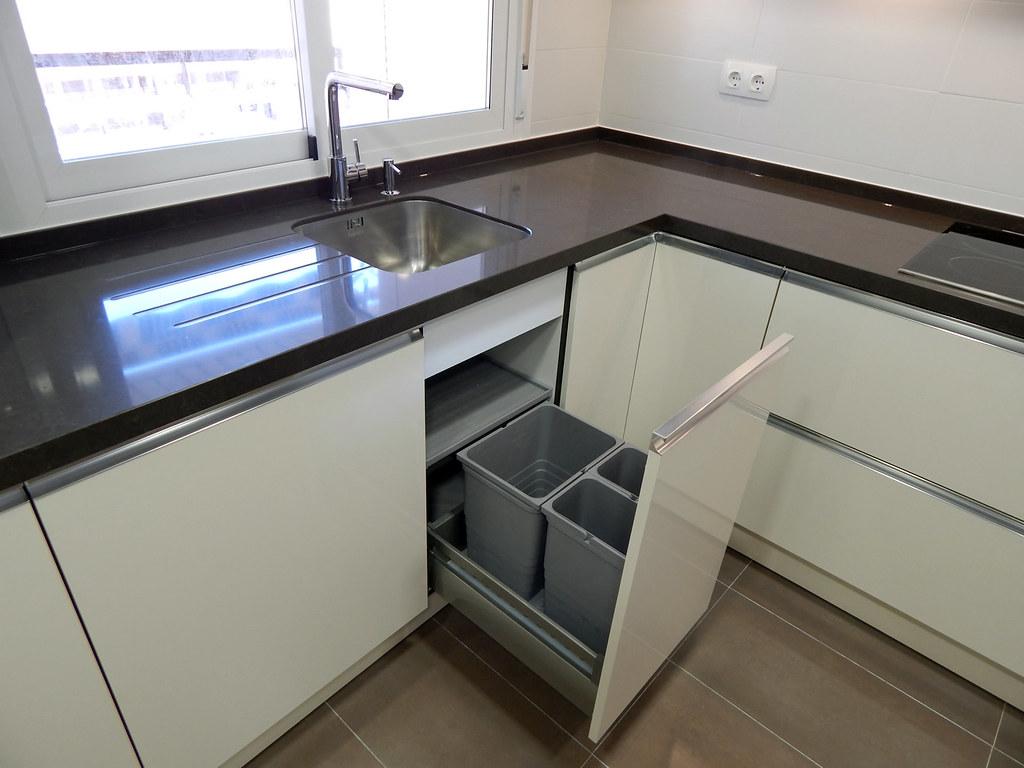Muebles de cocina neo magnolia for Fregaderos de aluminio