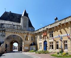 Jonzac - Château de Jonzac - Photo of Réaux