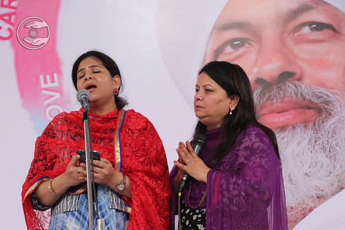 Devotional song by Manisha and Saathi from Dubai