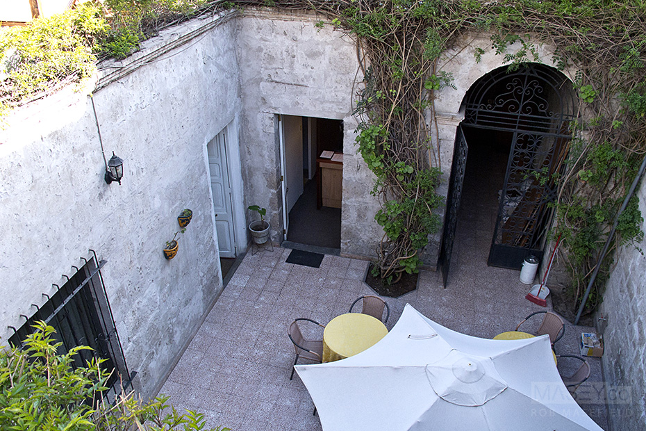 The communal courtyard at Hostal Solar.