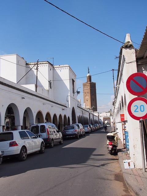 新版老城區的街道, 有反應CASABLANCA白色屋子的原意