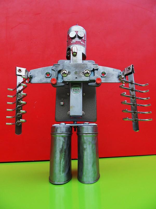 Robot mecalectro