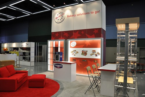 Exhibition Stand Spotlights : Spotlight your trade show with backlit graphics