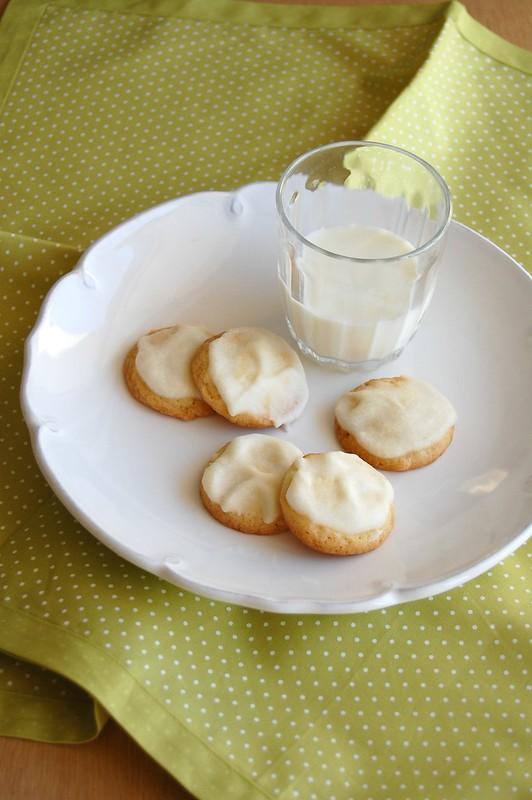 Iced little lemon drops / Biscoitinhos de limão siciliano com cobertura
