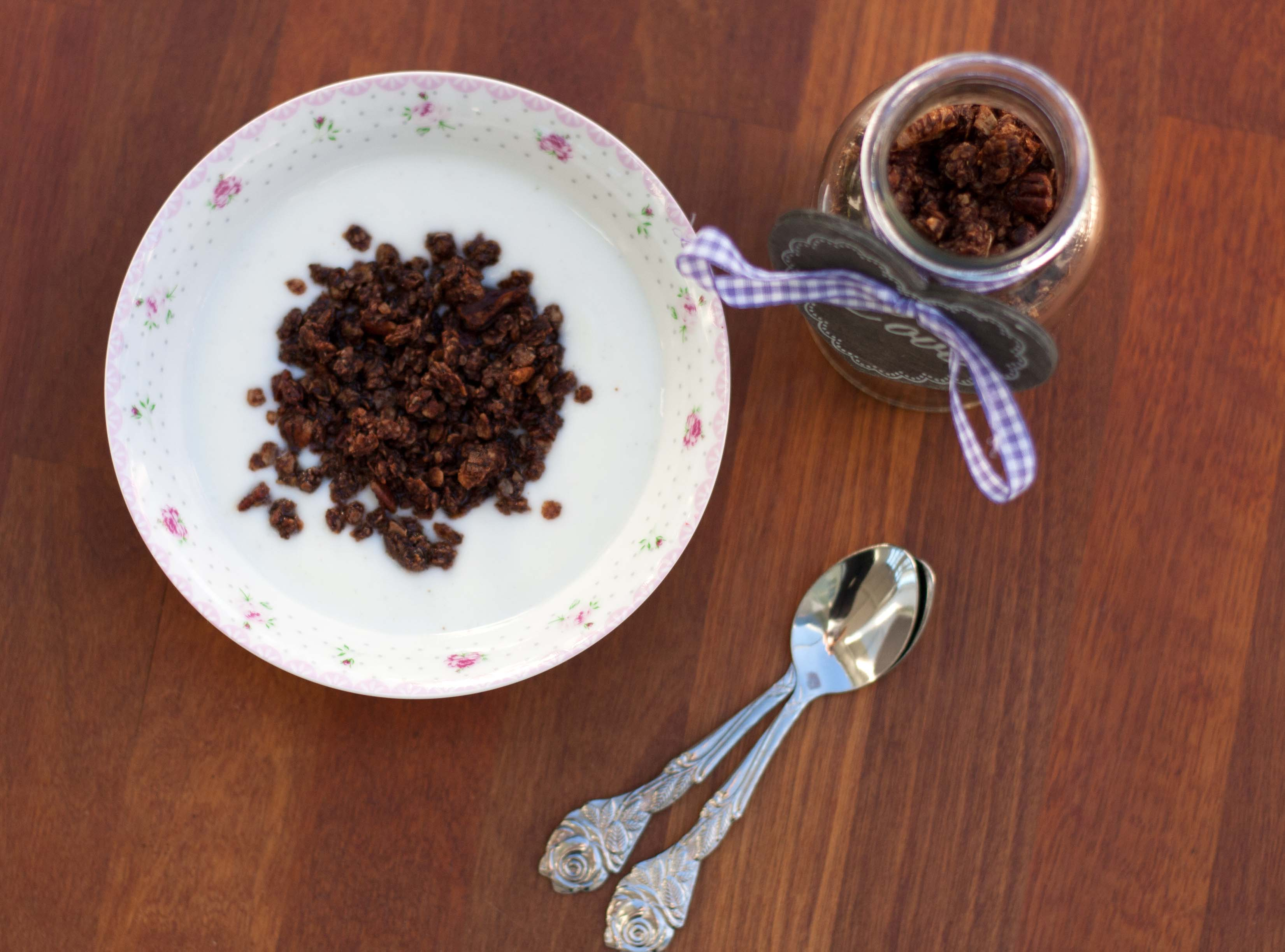 Crunchy Muesli with Cocoa // Chocolate Granola recipe 6