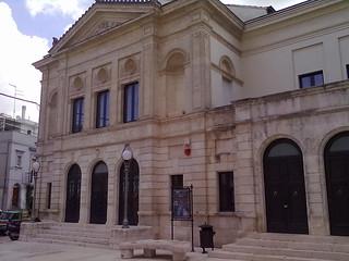 Gioia_del_Colle_-_teatro_Rossini_-_Facciata