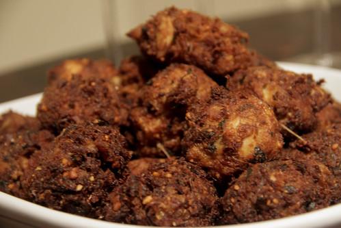 Bolinhos de mancarra com peixe | Fish and peanut balls | Recipe at end ...