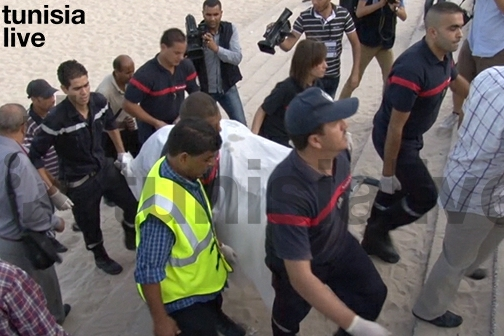 Bomber's remains being removed from scene in Sousse, October 30, 2013. Photo credit: Tunisia Live