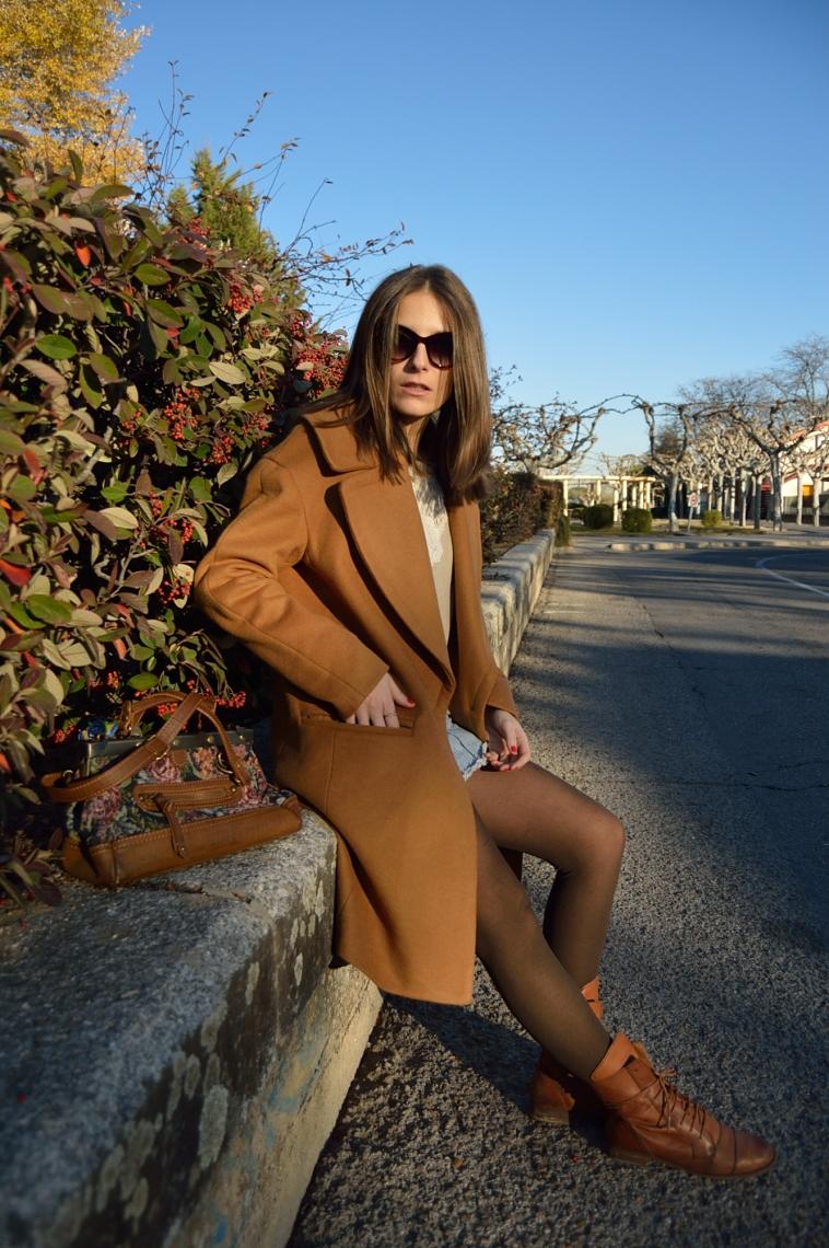lara-vazquez-madlula-streetstyle-chic--bolso-vintage-oversized-coat