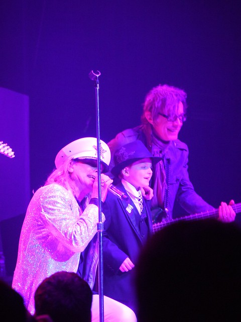 土, 2014-02-15 21:40 - Robin Zander, Tom Peterssen