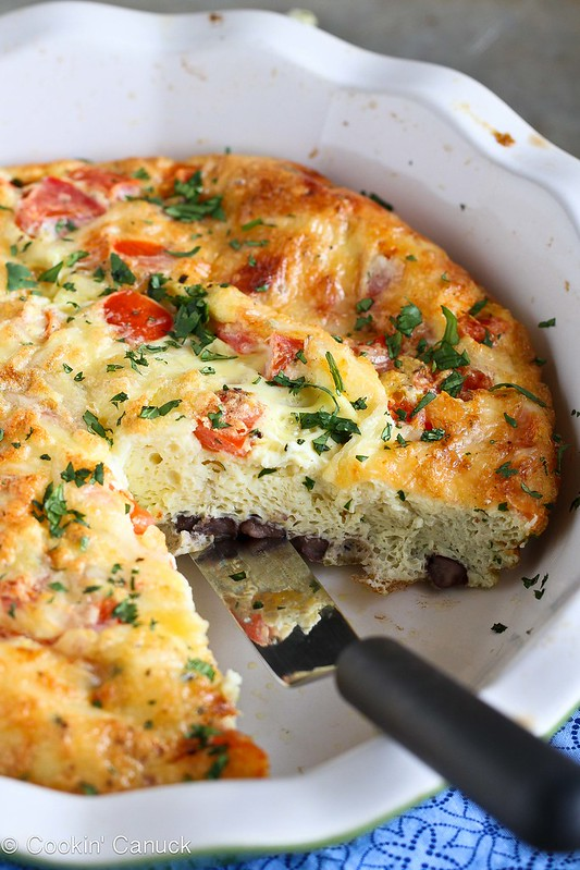 Skinny Southwestern Crustless Quiche Recipe {Vegetarian} | cookincanuck.com #vegetarian #breakfast