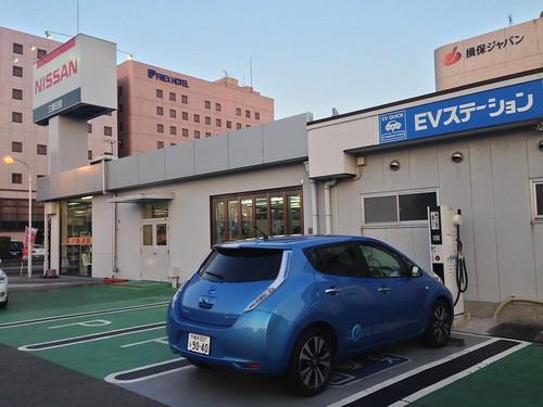 三重日産松阪店 EV急速充電器