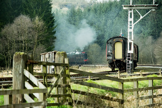 20170330-58_The Royal Scot Engine 46100 leaving Levisham Station