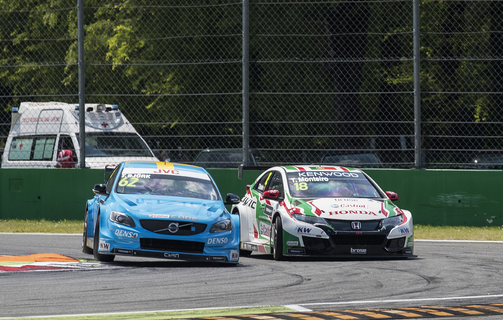 62 BJORK Thed (swe) Volvo S60 Polestar team Polestar Cyan Racing action 18 MONTEIRO Tiago (prt) Honda Civic team Castrol Honda WTC action during the 2017 FIA WTCC World Touring Car Race of Italy at Monza, from April 28 to 30  - Photo Gregory Lenormand / DPPI