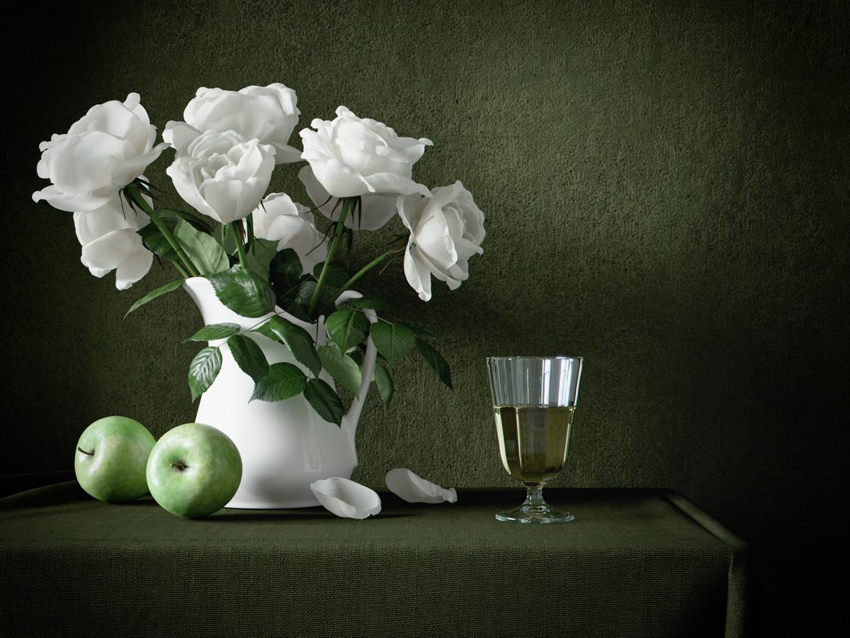 Whiterosesandgreen_S