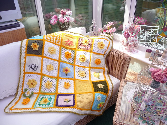 442 'Marie Curie Cancer Care Daffodil Blanket.'